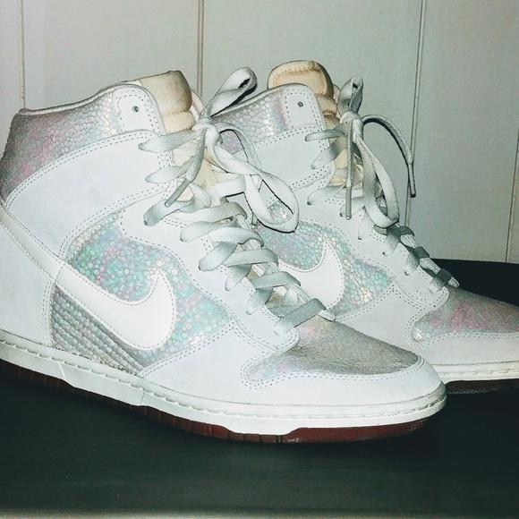 huge discount 3e6eb 24261 Nike Womens DUNK SKY HI PRM Pearl Luster 585560-00.  M 5b478d1c5c4452f3928b3c78